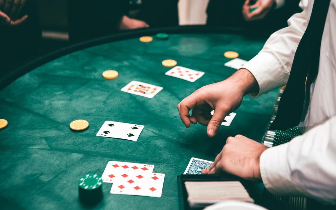 Benefits and drawbacks of playing online casinos